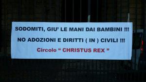 Il manifesto in carta appeso alla Porta Palio il 28 luglio 2016